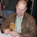 Creadores, Erik Larsen
